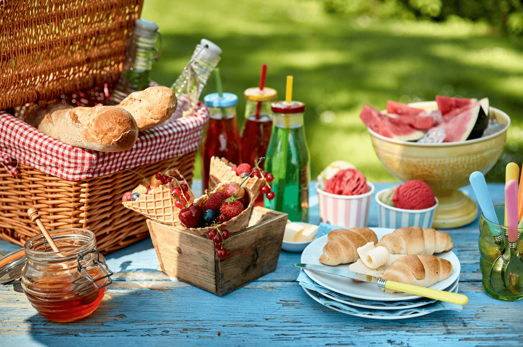 Starting Summer Right with the Perfect Picnic - blog post image